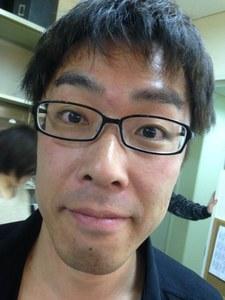 Томохито Осаки